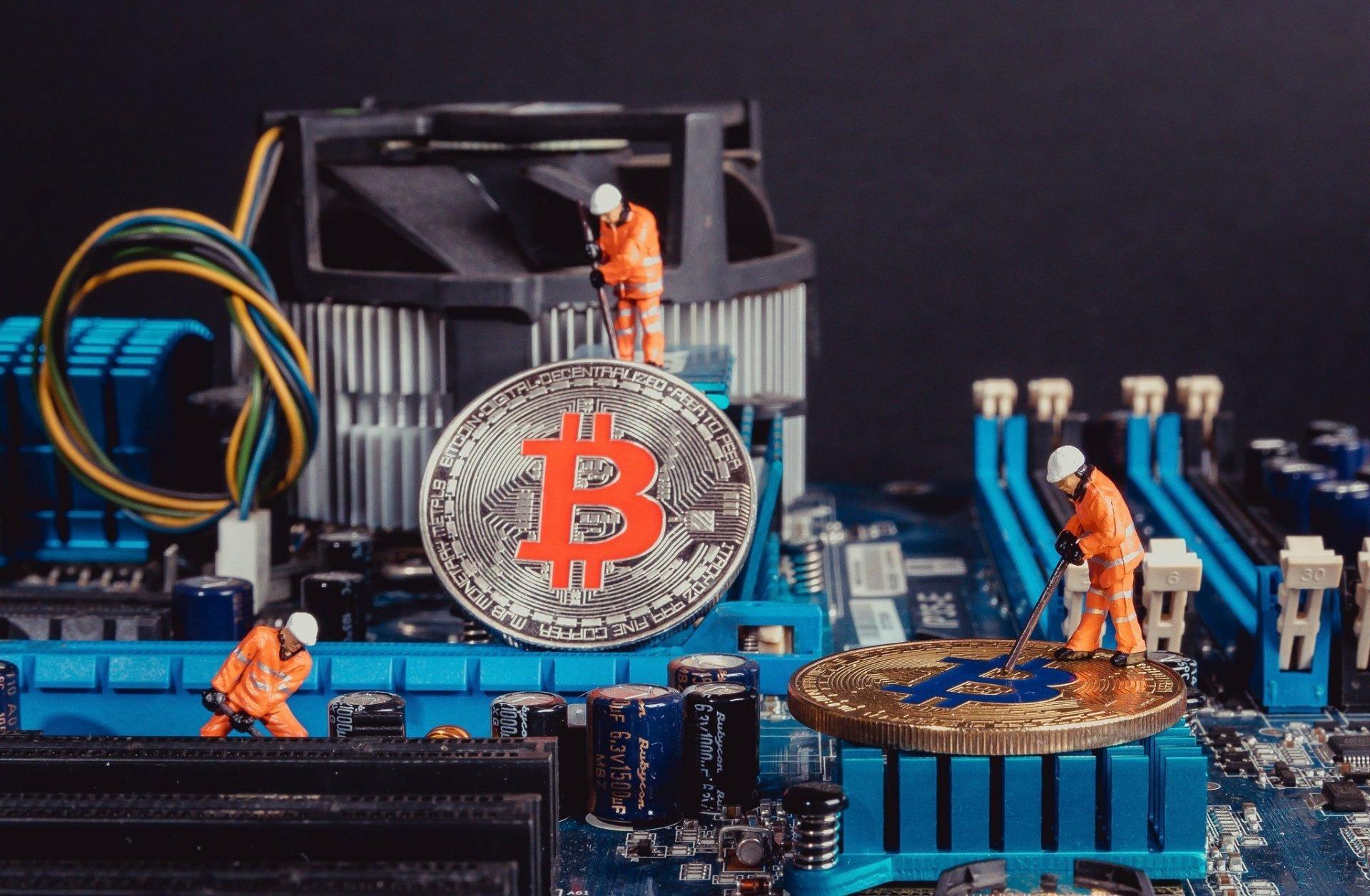 Bitcoin's Hash Rate Originating From China Falls Below 50% 5