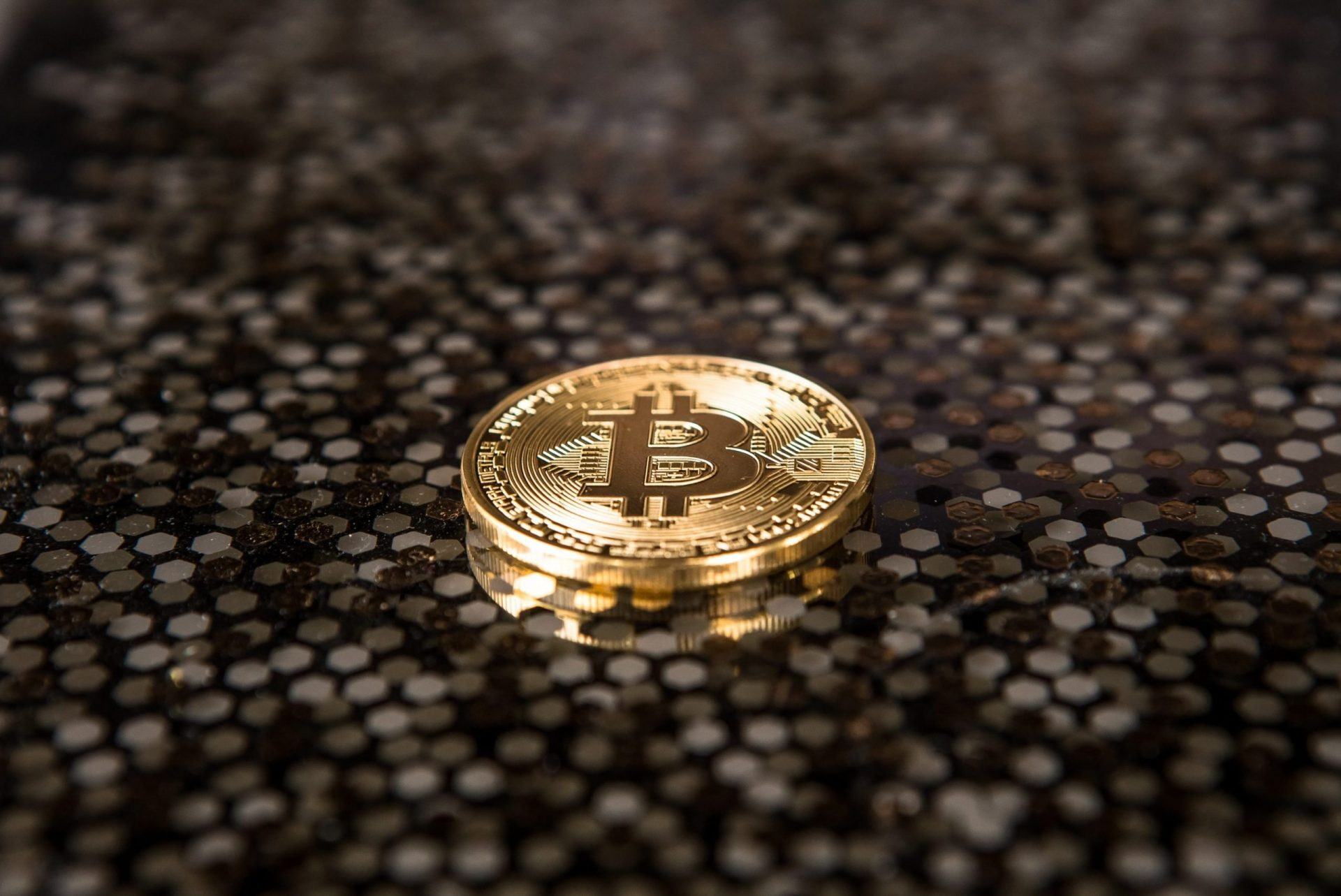 Bitcoin is Scarce: Binance and Coinbase CEOs Talk 21M BTC Cap 24