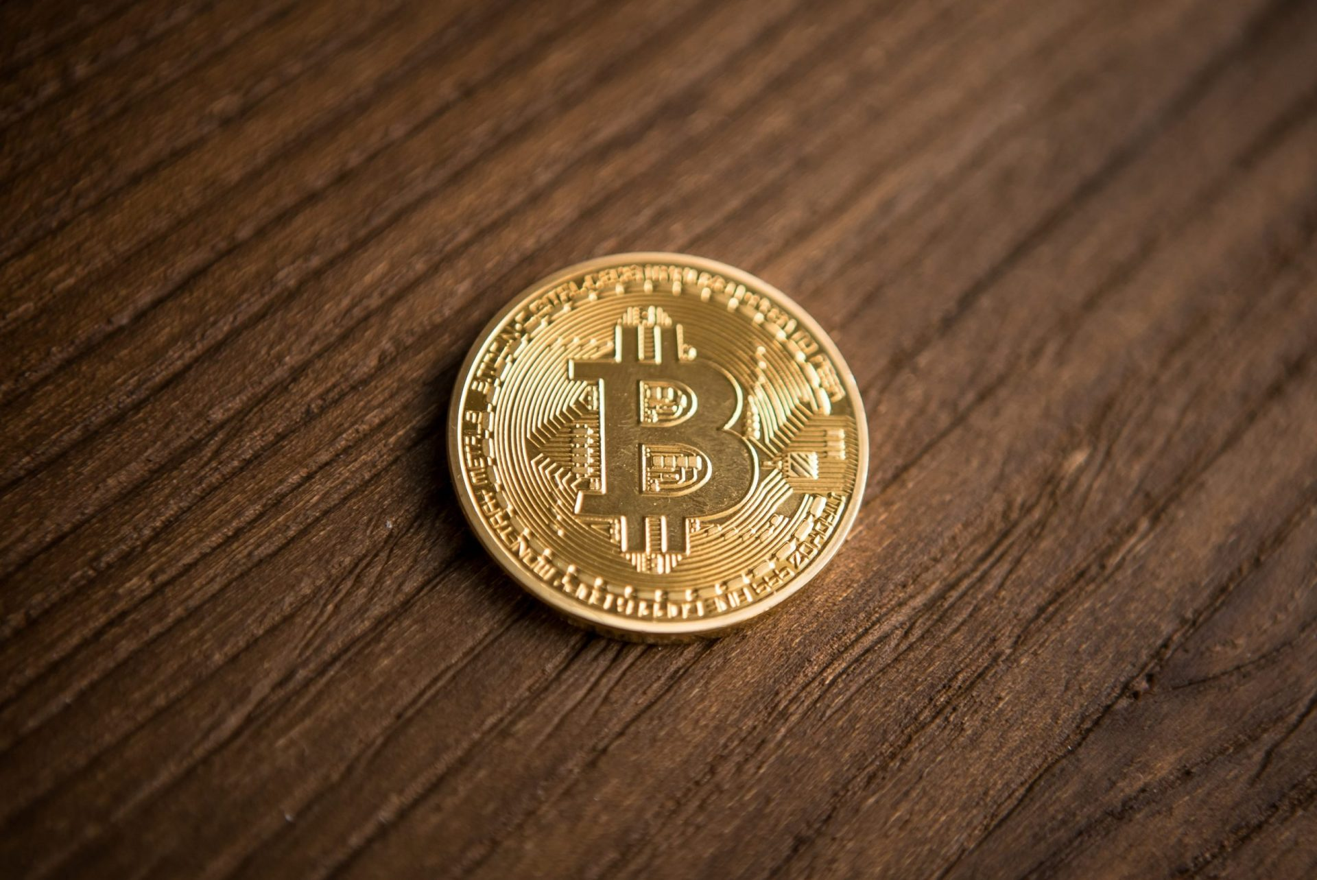 A Theory: Bitcoin Outperformed Altcoins Due to Binance US 14