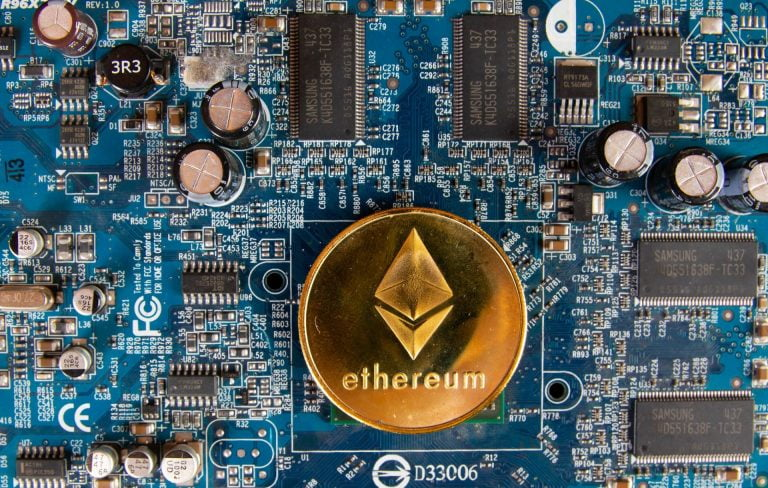 Ethereum's (ETH) Miner Revenue From Fees Surpasses Bitcoin's 14