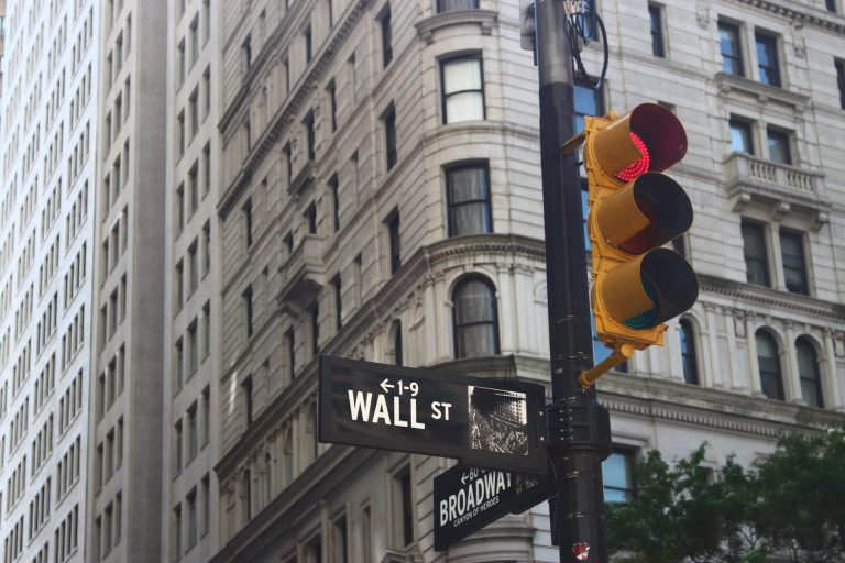 """Wall Street's Charles Schwab Bashes Crypto as """"Purely Speculative"""" Investments 15"""