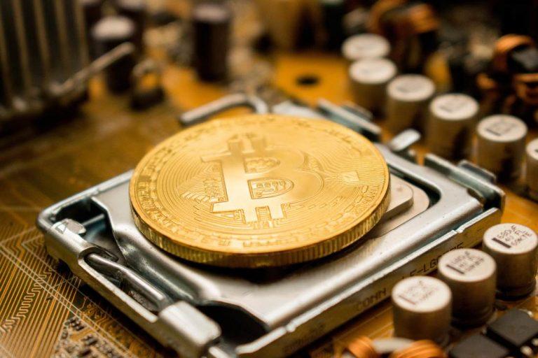 More Bitcoin Investors are Storing their BTC Offline 14