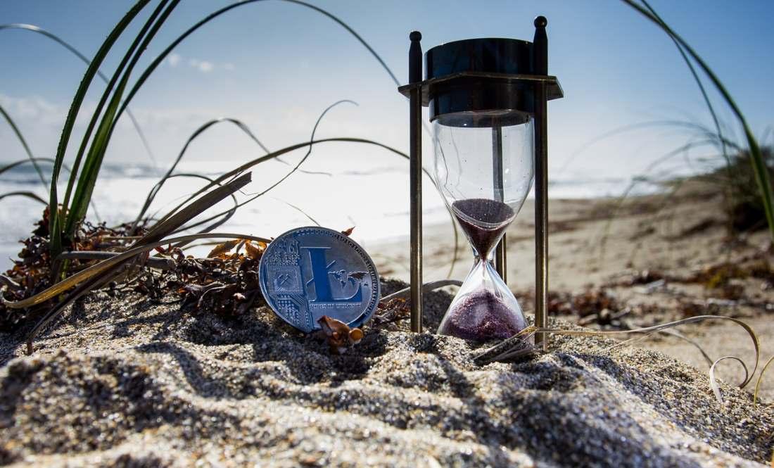 Litecoin's (LTC) Daily Active Addresses Hint of a Bullish Divergence 11