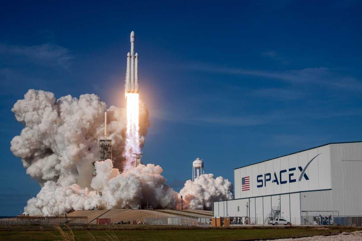 Tesla & SpaceX Adding BTC to Their Balance Sheet is Inevitable – Pomp
